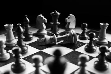 Scacco matto al re poiché la strategia è risultata inadeguata